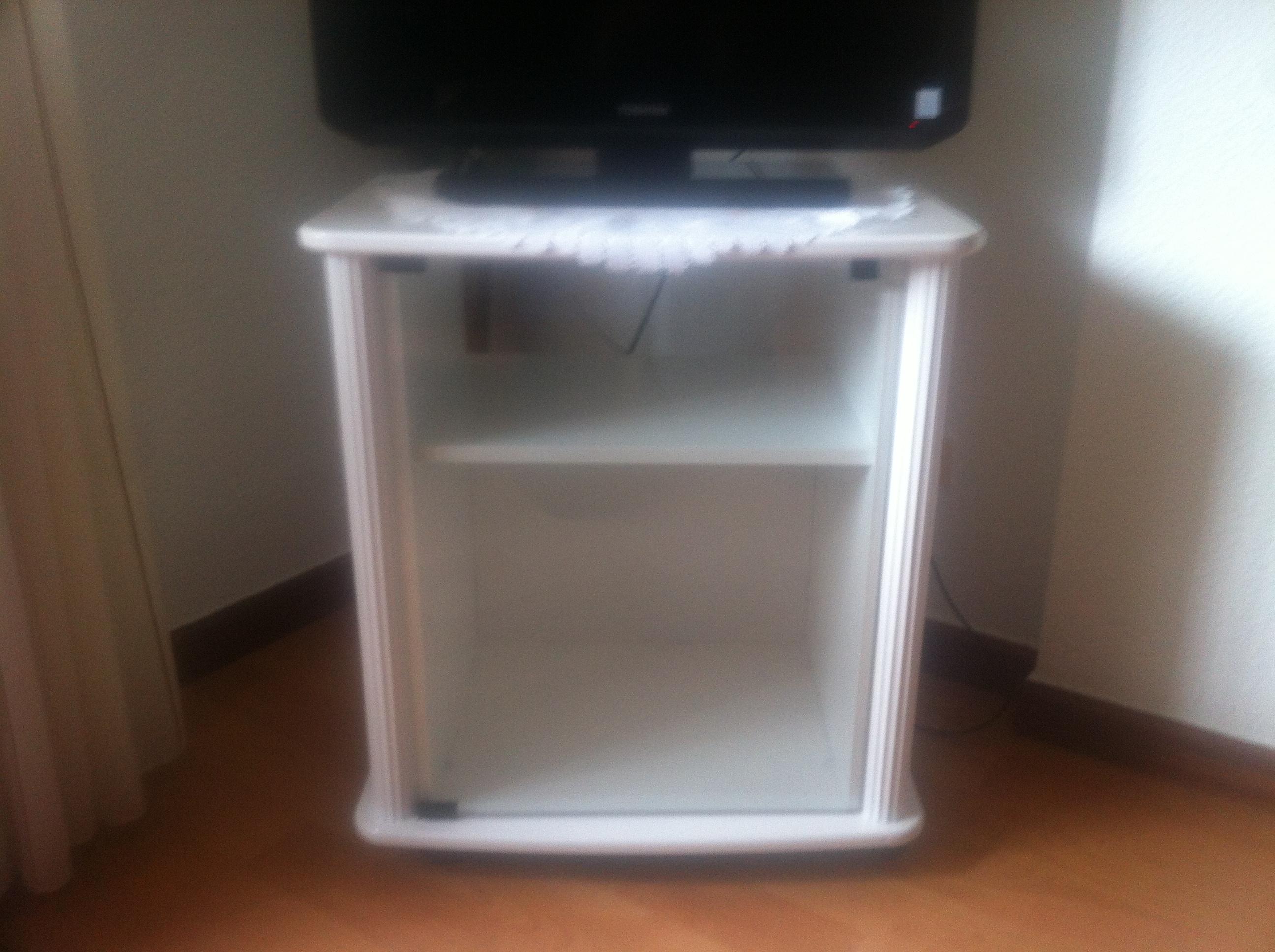 Lacado de muebles pintores en madrid pintor en madrid for Lacar muebles en blanco