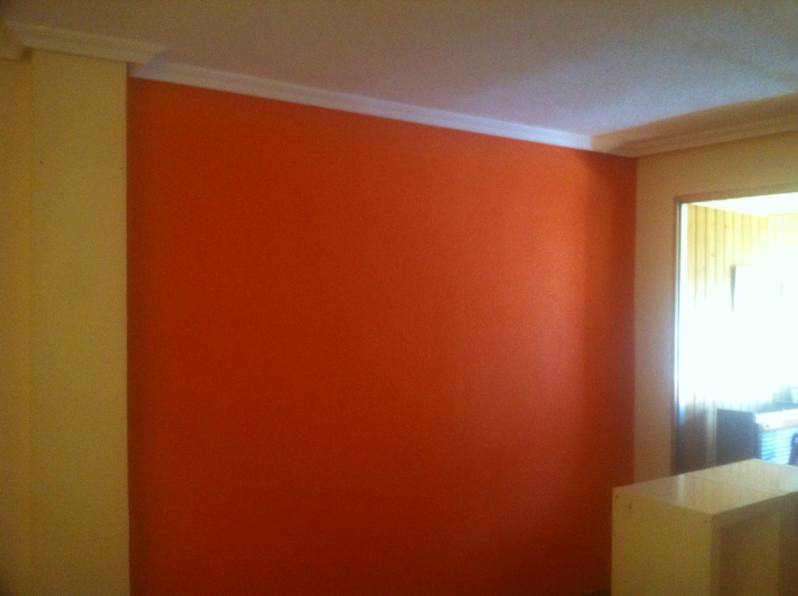 Pintura plastica color crema y naranja pintores en for Presupuesto para pintar