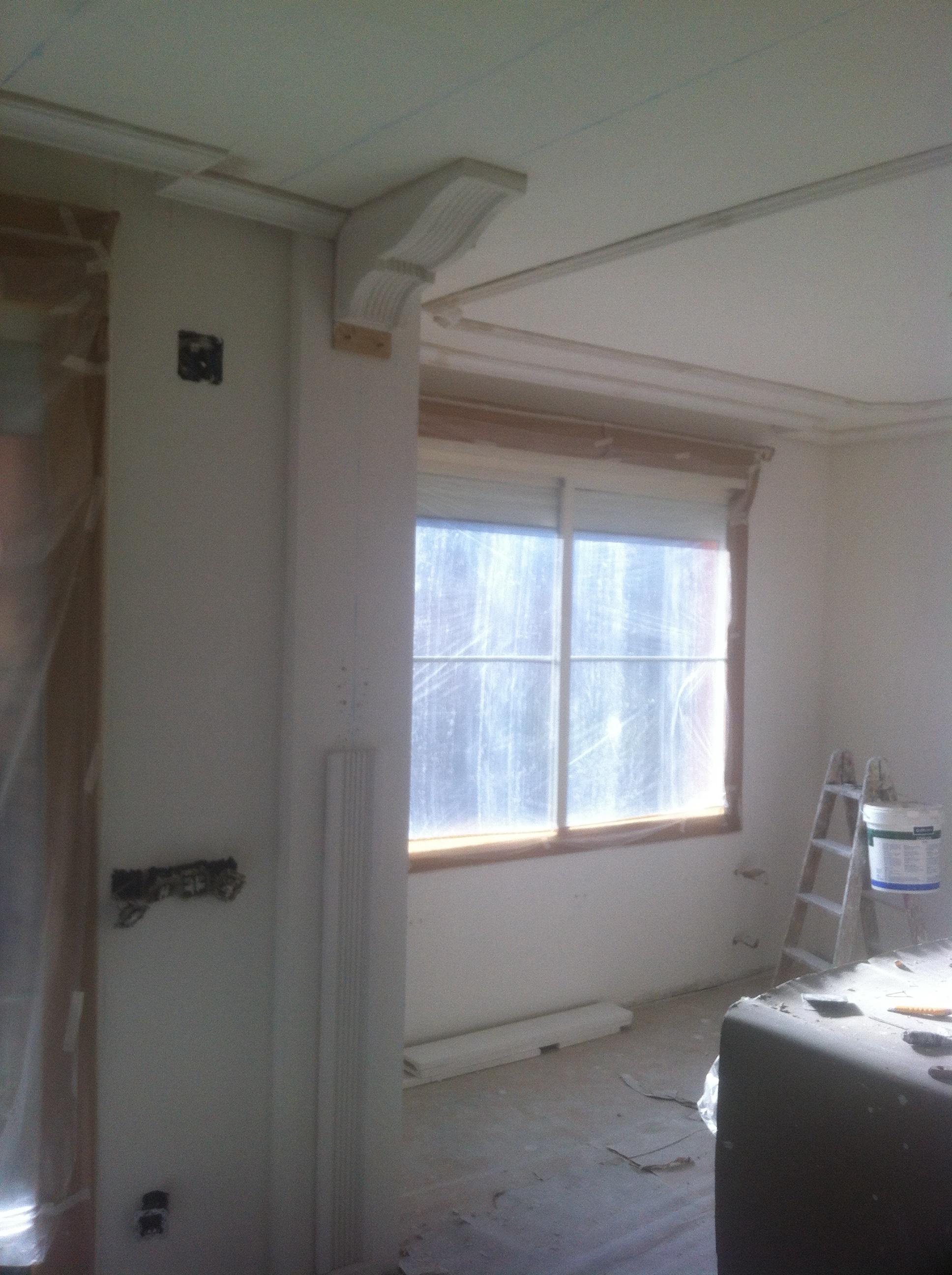 Quitar gotele del techo good es un pasillo pintado en dos tono las paredes y techo blanco with - Escayola decorativa techo ...